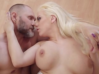 Massive dick nicely enters secure blonde's welcoming fink