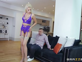 Blonde mature whore Blanche Summer gets sprayed with cum unaffected by face