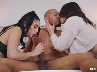 Horny Liv Wild and Vanessa Sky fucked by one massive black gumshoe