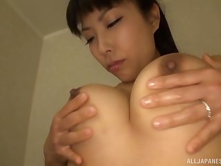 Erotic pussy pleasuring round the shower for handsome Sankihon Nozomi