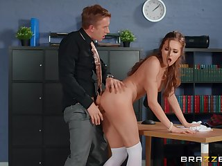 Piping hot cadger deep fucks his date colleague after the program